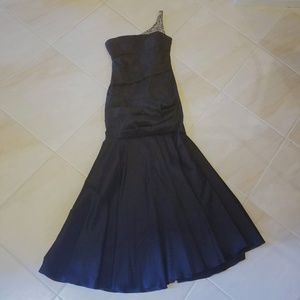 Black Mermaid One Shoulder Gown